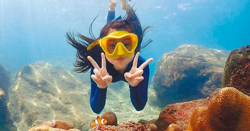 蓋兒珊瑚礁邂逅尼莫 自豪肺活量比常人好