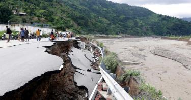 印尼東帝汶遭暴雨襲擊 洪水土石流釀160死數千人撤離