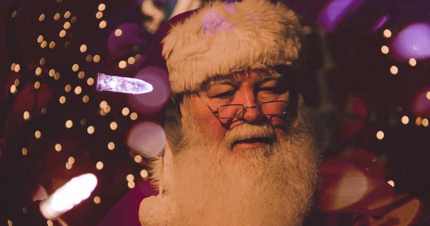艱困之際社區喜獲耶誕禮!「神秘聖誕老人」送超市5千元現金券
