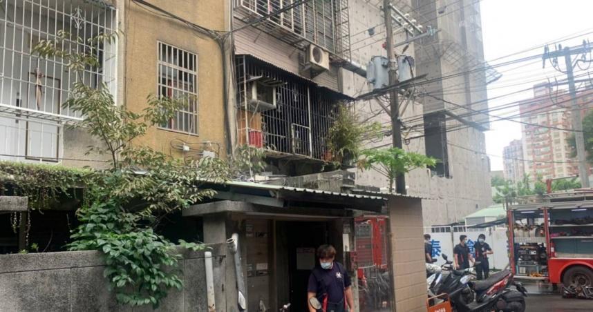 快訊/板橋公寓猛竄火舌 2住戶命危重傷