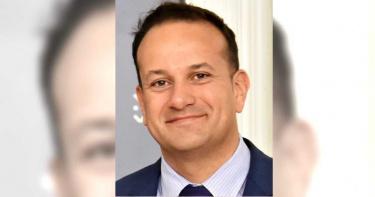 歐洲醫療體系崩潰!愛爾蘭總理重披醫生袍 赴前線防疫