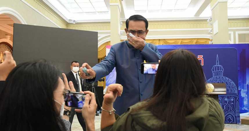 酒精噴記者還嗆少管閒事 泰國總理道歉:之前都這樣跟媒體玩